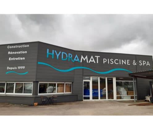 hydramat, constructeur de piscines, enseignes du magasin
