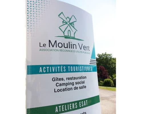 Totem d'entrée du Moulin vert à Arzon